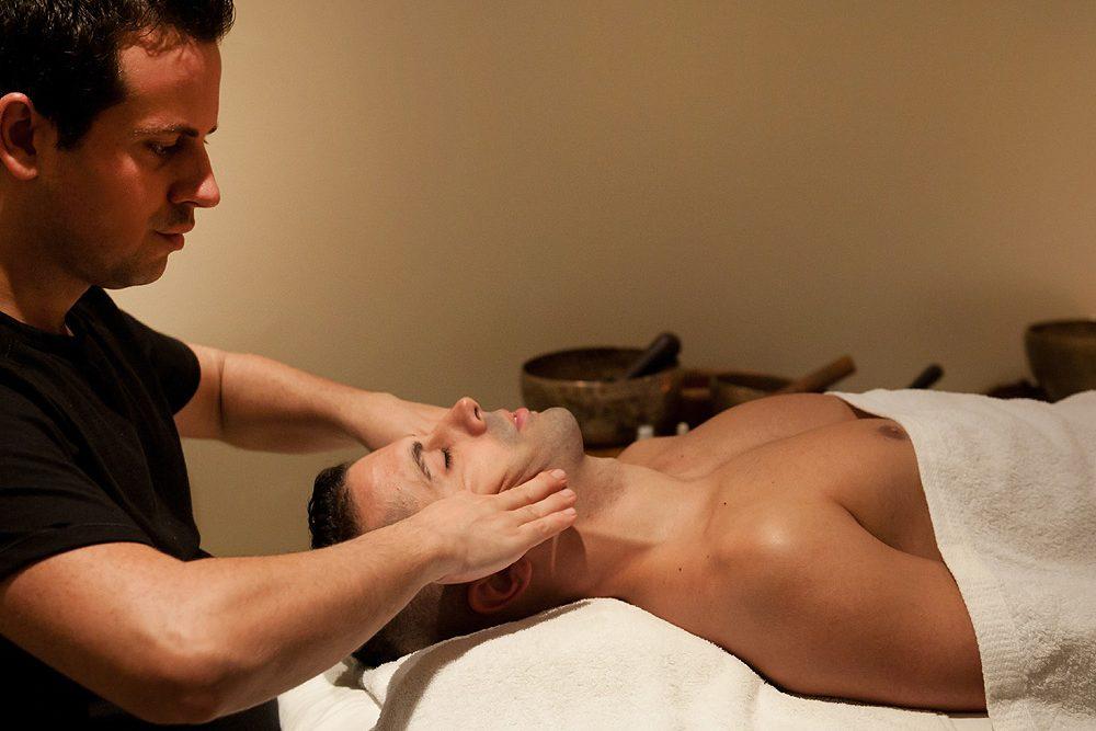 masaje facial hombre Fran Barahona
