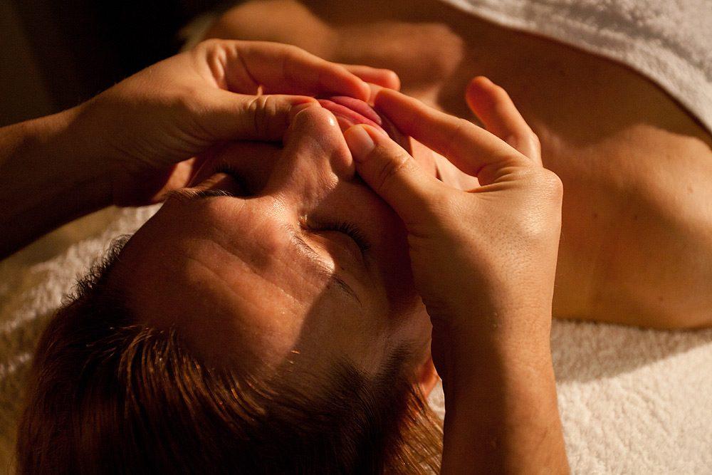 masaje facial Fran Barahona